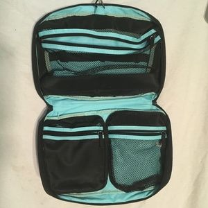 EUC BEAUTICONTROL Makeup Travel Case black/green